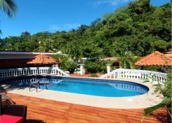 Hotel Villabosque, 100 metros antes de la entrada al Parque Nacional Manuel Antonio., 60111, Manuel Antonio