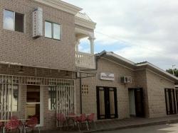Makotongo Hôtel, Quartier MBEMBA coûte cher , 33 Rue de Boko SONGHO,, Pointe-Noire