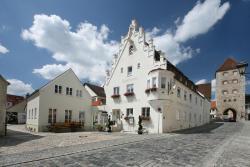 Landhotel Weißer Hahn, Wallfahrtstraße 19 - 21, 86650, Wemding