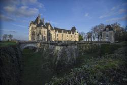Chateau De Jalesnes, S/N Rue De Jalesnes, Route De Blou, 49390, Vernantes