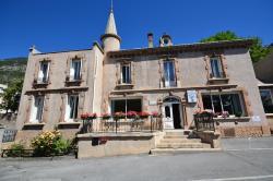 Hôtel Edelweiss, 32 Avenue De La République, 05100, Briançon