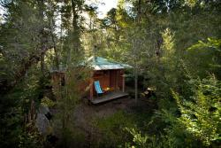 Cabaña Tinquilco, Parcela 6, Tinquilco Norte, a 1,6 km del acceso al Parque Nacional Huerquehue, 4920000, Collentañe
