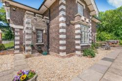 Middle Lodge, Middle Lodge, Stratton Park, Micheldever,, SO21 3DP, West Stratton