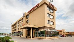 Best Western Voyageur Place Hotel, 17565 Younge Street, L3Y 5H6, Newmarket