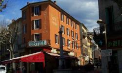 Hôtel Central, 26 Bd Gassendi, 04000, Digne-les-Bains