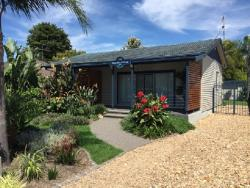 Pebble Bay Cottage-Batemans Bay, 128 Beach Road, 2536, Батманс-Бэй