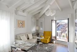 Navarra Chic Apartment & Terrace, Calle Estafeta  81, 5 Iz., 31001, Pamplona