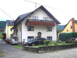 Mosel-Gästehaus Kirch, Herrenstraße 16 , 56814, Ernst