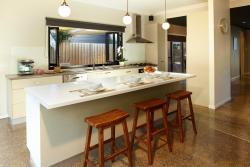 Stylish Living and Spa - Rejuvenate Stays, 27 Golf St, 3966, Inverloch