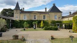 Château Fleur de Roques, Lieu-dit Roques, À Mi-Chemin Entre Puisseguin et Lussac, 33570, Puisseguin