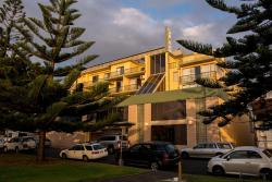 Newcastle Beach Hotel, 21 Parnell Place, 2300, Newcastle