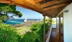 Isla Baja Suites, Esteban de Ponte, 3-5, 38450, Garachico