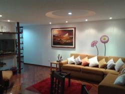 Maggi's Home Apartment, Alonso de Torres y Jose Raygada Condominio Bosque Real Torre A Departamento 7D, 170524, Hacienda Osorio