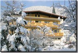Gästehaus-Pension Bendler, Dorfplatz 16, 6382, Kirchdorf in Tirol