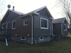 House on the Hill, 209 Monck St., K0L 1C0, Bancroft