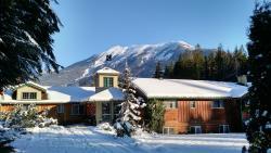 Mulvehill Creek Wilderness Inn and Wedding Chapel, 4200 Highway 23 South, Box 1220, V0E 2S0, Revelstoke