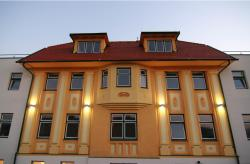 Hotel Kaiservilla, Badgasse 1, 2560, Berndorf