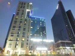 Flex Stay Holiday Homes - Cosmopolitan Apartments, The Cosmopolitan Apartments by Damac - Cour Jardin, Al Abraj St., Business Bay, Dubai, UAE,, Dubai
