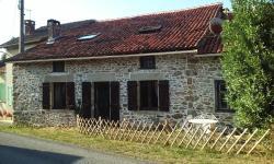 La Croix De Camargue, 2bis Rue De L Épicerie, les Bordes, 87520, Oradour-sur-Glane