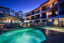 Coolum Seaside Apartments, 6 Perry Street, Coolum Beach, 4573, Кулум-Бич
