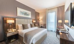 Hawthorn Suites by Wyndham Abu Dhabi City Center, Junction of Salaam Street and Corniche Road,, Abu Dhabi