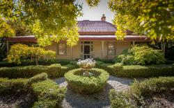 Erindale Guest House, 1 Victoria Road, 3747, Beechworth