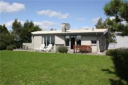 Holiday home in Skraningen Begtrup VigKnebel,  8420, Strands