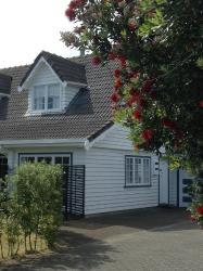 Kimberley House, 9 Moana Road Okitu, 4010, Wainui