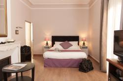 Hotel Sainte Anne - Apt, 62 Place Faubourg Du Ballet, 84400, Apt