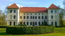 Schlosshotel Marihn, Flotower Strasse 1, 17217, Marihn