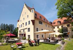 Schloss zu Hopferau, Schlossstraße 9-11, 87659, Hopferau