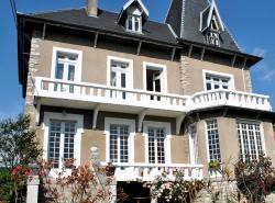 Villa Hortebise, 31 Avenue des Pyrénées, 64270, Salies-de-Béarn