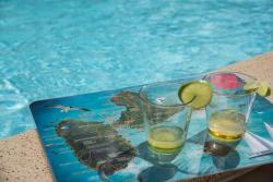 Charmante Villa avec piscine pour couples / Familles, Free Wifi, Bellesvues de Montalegre 104, 97129, Montalègre