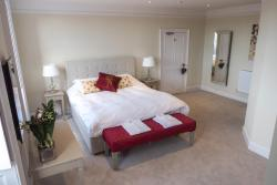 Broadway House Luxury Serviced Rooms, Broadway house, 35 High Street, Topsham, Exeter, EX3 0ED, Exeter