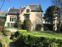 Loire Valley Medieval Getaway, Place de la Lanterne, 37210, Rochecorbon