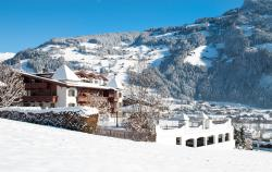 Romantik Hotel Alpenblick Ferienschlössl, Johann-Sponring-Straße 91, 6283, Hippach