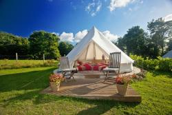Kits Coty Glamping, 84 Collingwood Road, ME20 7ER, Maidstone