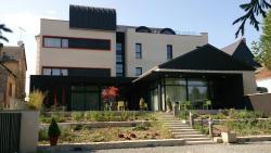 Hôtel du Morvan, 26, Rue De La République, 58170, Luzy