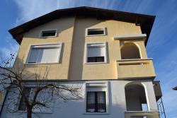 Velibash House, 5 Dalga Polyana Street, 8271, Velika