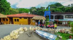 Hotel Costa Del Sol Inn, 100m Norte De La Entrada De Playa Manta, Puntarenas,, Las Mantas