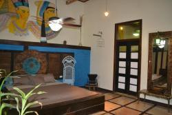 Casa Hey-sol, Avenida Unidad Nacional y Rio Frio a 400mtrs del Tennis Club, 131401, Bahía de Caráquez