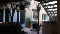Gîtes Macarien, 23 Place Carnot, 33490, Saint-Macaire