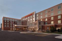 Hampton Inn & Suites Rosemont Chicago O'Hare, 9480 West Higgins Road   , 60018, Rosemont