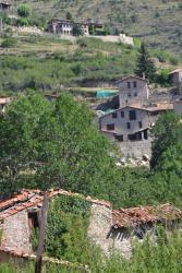 Hostal La Muntanya, Plaça Major 4, 08696, Castellar de N'Hug