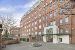 JH Luxury Apartment, Jubilee Heights, 1 Shoot-Up Hill, NW2 3UQ, Kilburn