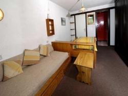 Rental Apartment Mélèzes iii - Serre Chevaller, Les Mélèzes 331 N°331 Entrée 3 3 Em Étage, 05330, Arbine