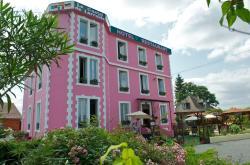 Le Castel de Larralde, 27 route de Pau, 64510, Assat