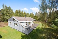 Rømø Holiday Home 438,  6792, Mølby