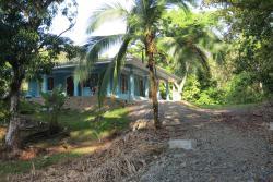 Casa Bella, 50 M SOUTH WEST OF HOTEL GAIA, 60601, Manuel Antonio