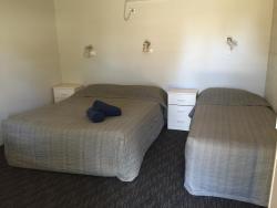 Oasis Motel, 150-152 Caswell Street , 2869, Peak Hill